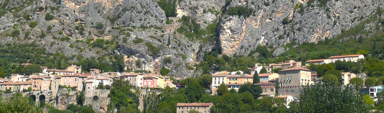 moustiers-locations.fr moustiers sainte marie